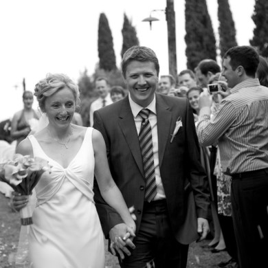 Pink Fur and flowers - Tuscan wedding for 50.